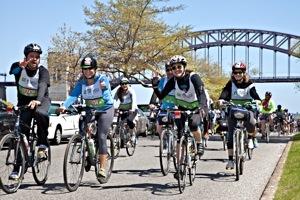 5 Boro Bike Ride In Queens:  Astoria Park Rest Stop Photos | 5 boro bike tour in queens 5 boro bike ride in queens lic astoria park